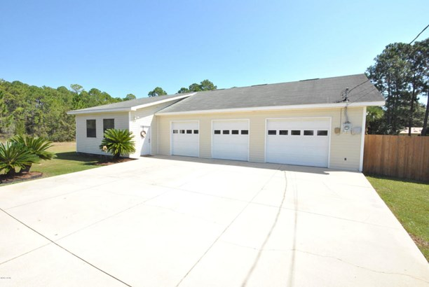 Detached Single Family, Contemporary - Lynn Haven, FL (photo 4)