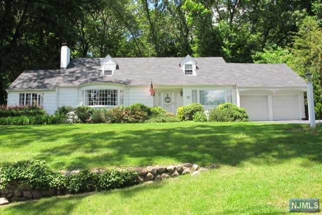 382 Beechwood Road, Ridgewood, NJ - USA (photo 1)