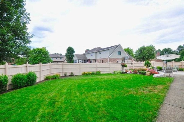 4812 Brentridge Court, Greenwood, IN - USA (photo 2)