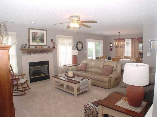 7906 Meadow Bend Drive, Indianapolis, IN - USA (photo 5)