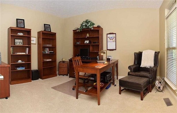 1317 Touchstone Drive, Indianapolis, IN - USA (photo 4)