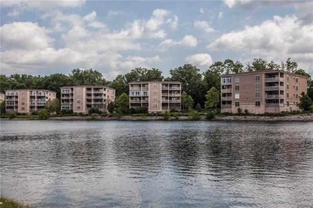 6760 Spirit Lake Drive 202, Indianapolis, IN - USA (photo 1)
