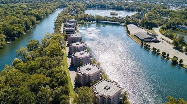 6760 Spirit Lake Drive 202, Indianapolis, IN - USA (photo 2)