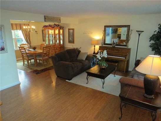 10321 Foxwood Drive, Indianapolis, IN - USA (photo 5)