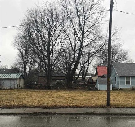 824 N Oriental Street, Indianapolis, IN - USA (photo 2)