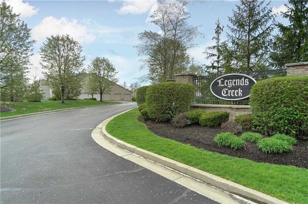 238 Legends Creek Way 206, Indianapolis, IN - USA (photo 2)