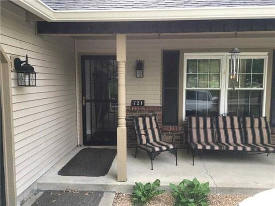 721 Sable Ridge Drive, Greenwood, IN - USA (photo 2)