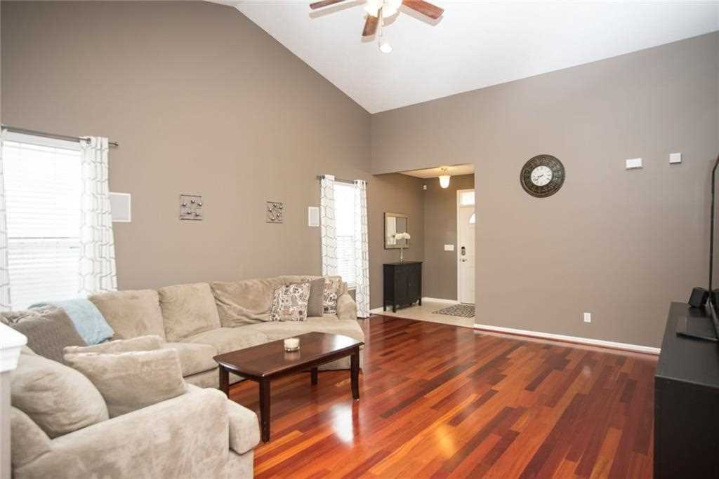 10624 Hunters Crossing Boulevard, Indianapolis, IN - USA (photo 5)