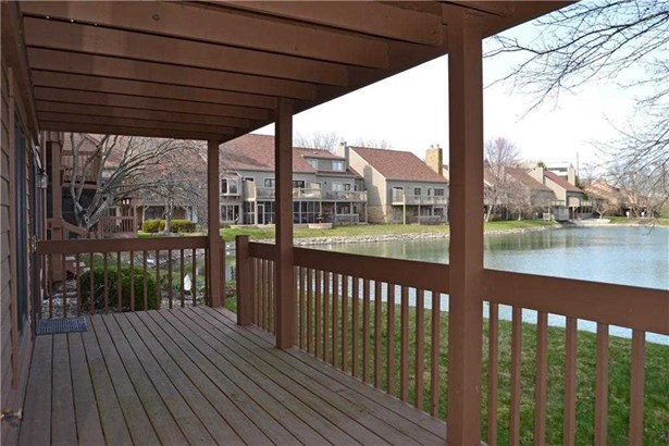 8409 Sand Point Way, Indianapolis, IN - USA (photo 2)