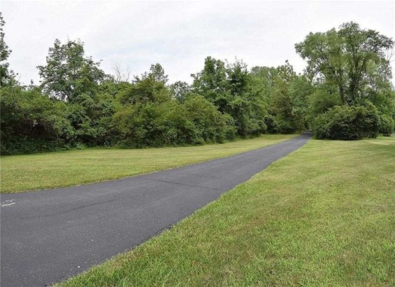 8825 Sargent Road, Indianapolis, IN - USA (photo 2)