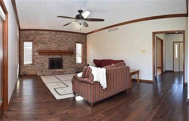 8447 Admirals Landing, Indianapolis, IN - USA (photo 3)