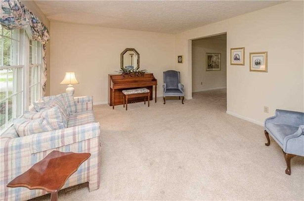 8460 Brittany Court N, Indianapolis, IN - USA (photo 4)