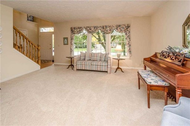 8460 Brittany Court N, Indianapolis, IN - USA (photo 5)