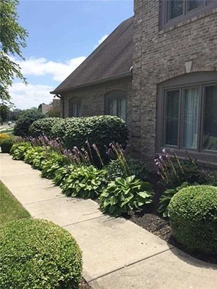 8798 Bay Pointe Circle, Indianapolis, IN - USA (photo 2)