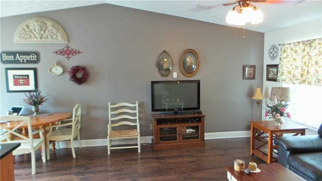 6427 Perry Pines Court, Indianapolis, IN - USA (photo 5)