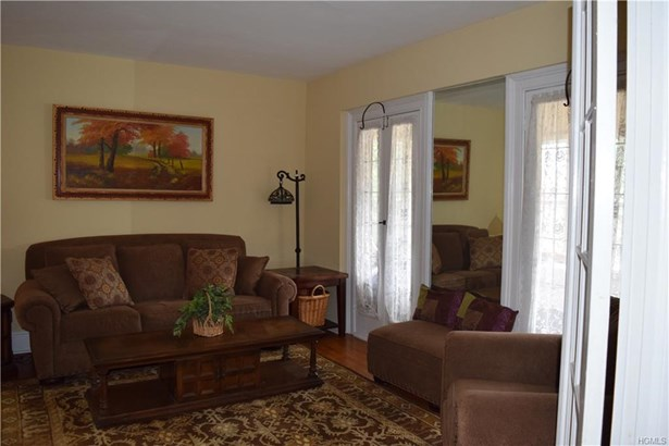Colonial,Two Story, Single Family - Cold Spring, NY (photo 4)