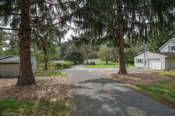 143 Copper Hill Rd, Raritan Twp, NJ - USA (photo 2)
