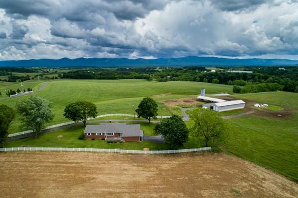Ranch, Farm - MOUNT CRAWFORD, VA