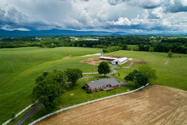 Ranch, Farm - MOUNT CRAWFORD, VA (photo 2)