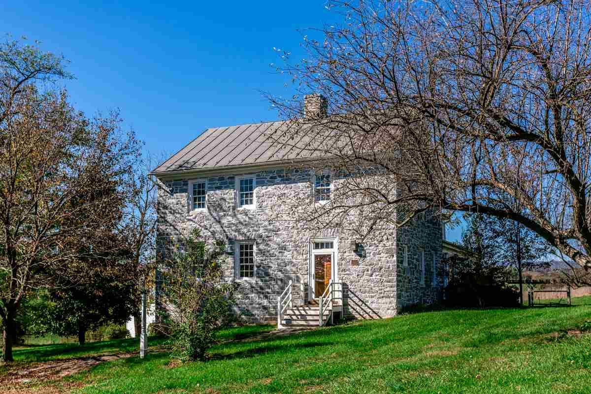 Colonial, Detached - LINVILLE, VA (photo 1)