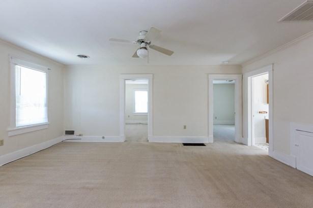 Duplex Over/Under - SHENANDOAH, VA (photo 5)