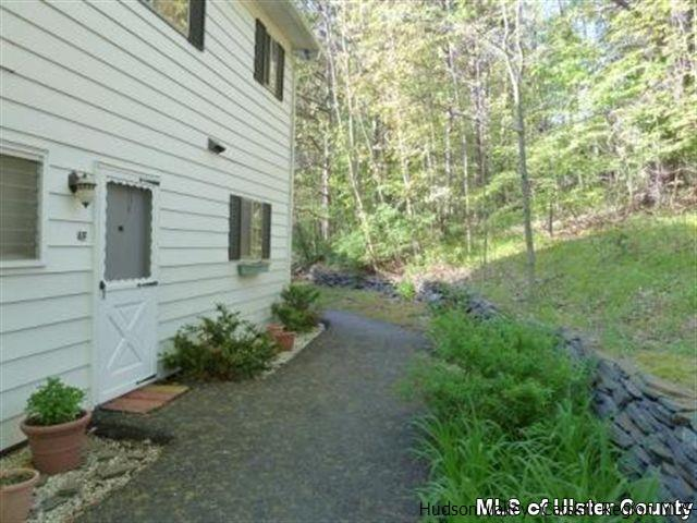 Condominium Unit,Residential Rental - WEST HURLEY, NY (photo 4)
