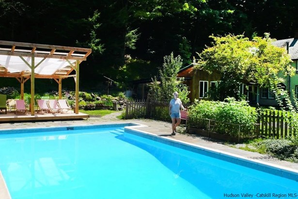 Detached House,Residential Rental - Bearsville, NY (photo 4)