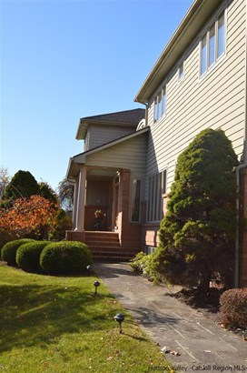 Contempo, Single Family - Kingston, NY (photo 2)