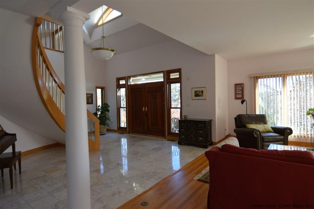 Contempo, Single Family - Kingston, NY (photo 5)
