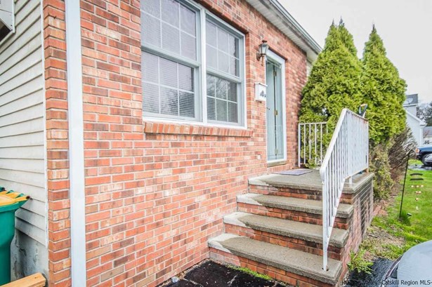 DUPLEX,ONE STORY, Multi-Family - Saugerties, NY (photo 2)