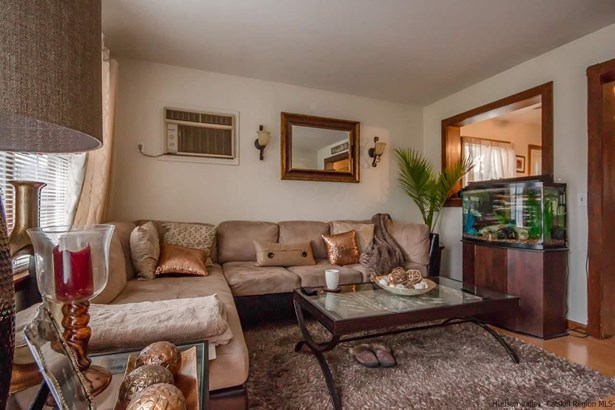 DUPLEX,ONE STORY, Multi-Family - Saugerties, NY (photo 4)