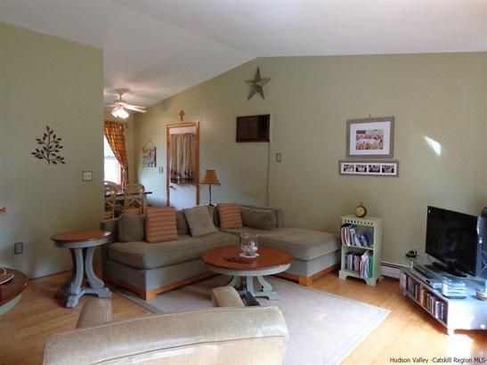 Ranch, Single Family - Bloomington, NY (photo 2)