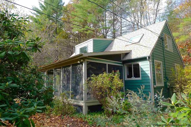 1Family+Access Apt, Cape - Kerhonkson, NY (photo 1)