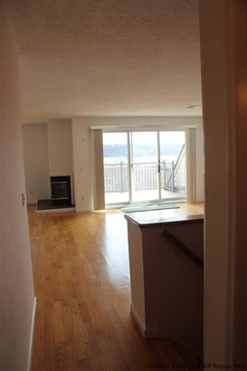 Condominium, Condo - Port Ewen, NY (photo 4)