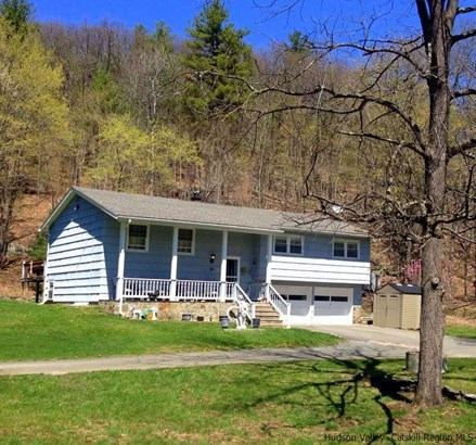 Raised Ranch, Single Family - Ellenville, NY (photo 2)