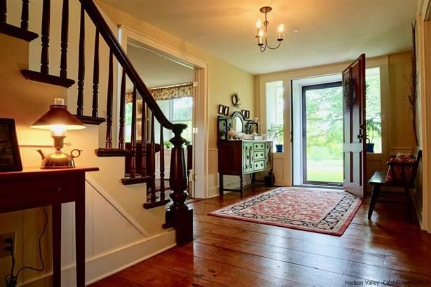 1Family+Access Apt, Colonial - New Paltz, NY (photo 4)