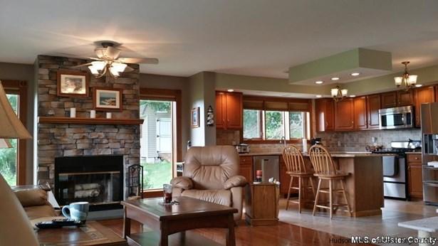 Ranch, Single Family - Wallkill, NY (photo 3)