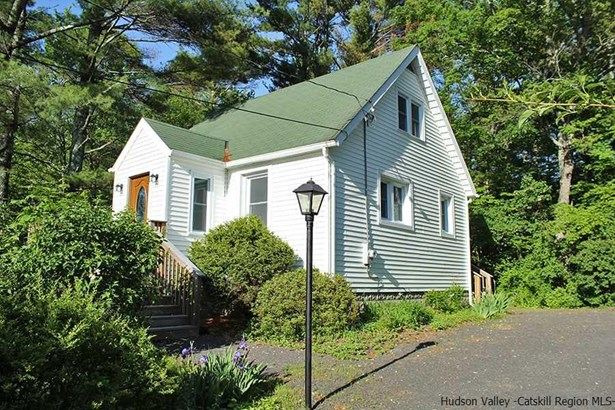 Cape, Single Family - Saugerties, NY (photo 1)