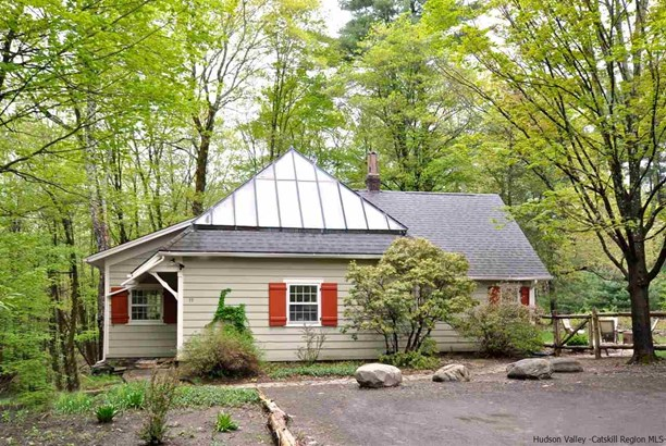 Cottage, Single Family - Woodstock, NY (photo 1)