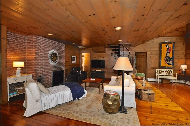 Cottage, Single Family - Woodstock, NY (photo 4)