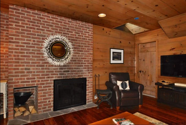 Cottage, Single Family - Woodstock, NY (photo 5)