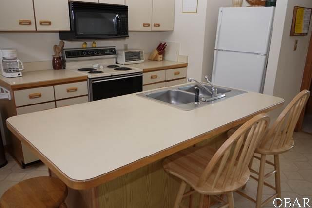 Townhouse/Duplex/Attached, Reverse Floor Plan - Corolla, NC (photo 3)