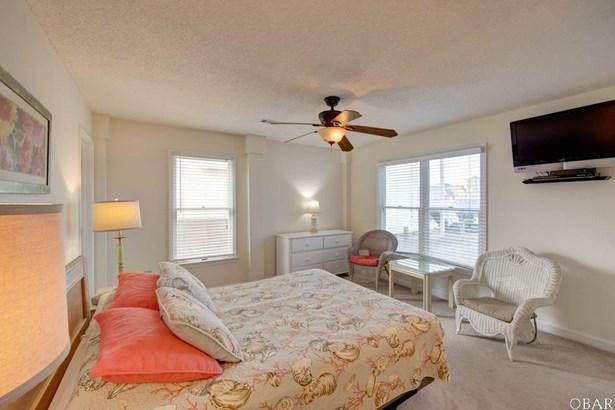 Single Family - Detached - Contemporary,Reverse Floor Plan,Coastal,Cottage (photo 5)