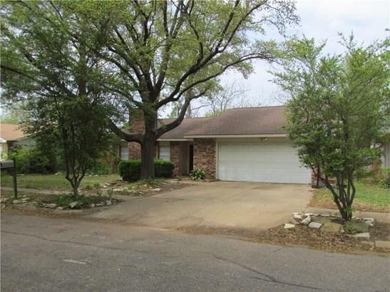 4107 Foxmoor Court, Arlington, TX - USA (photo 1)