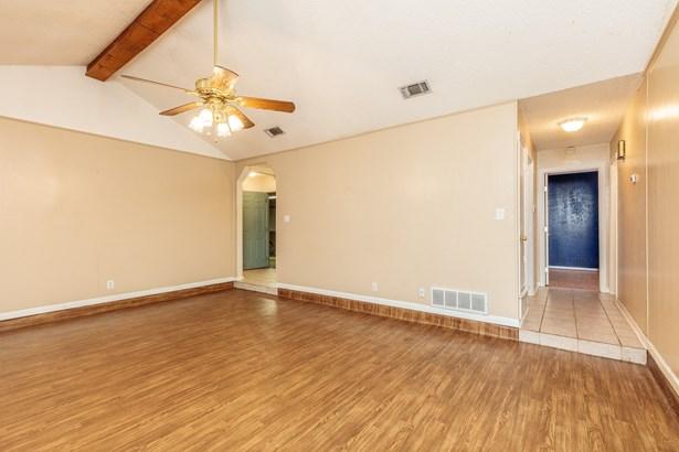 4308 Mossridge Court, Arlington, TX - USA (photo 4)