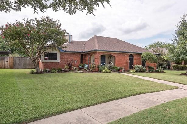 3710 Drakestone Avenue, Rowlett, TX - USA (photo 2)