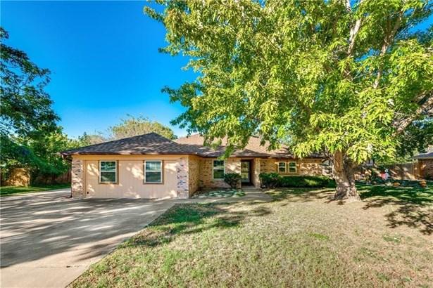 625 Holly Drive, Burleson, TX - USA (photo 1)