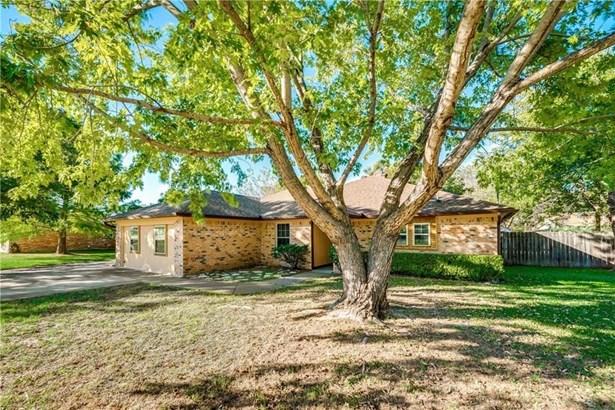 625 Holly Drive, Burleson, TX - USA (photo 2)
