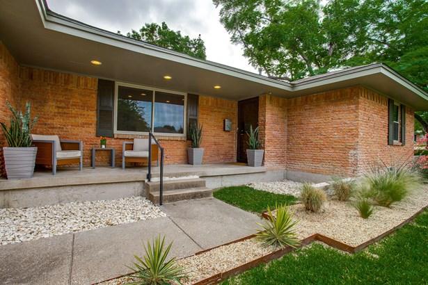 2350 Oldbridge Drive, Dallas, TX - USA (photo 3)