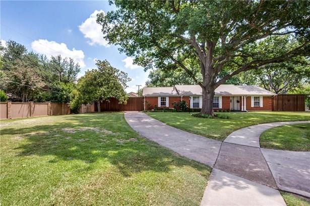 14636 Southern Pines Drive, Farmers Branch, TX - USA (photo 2)